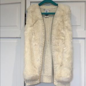 Girls faux fur ivory sweater vest size 7-8